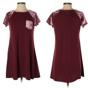 Wallflower Velvet Detail Short-Sleeve Dress sz S